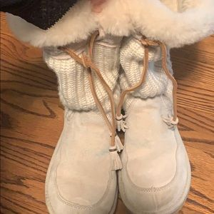 Pre-owned UGG boots white size 7